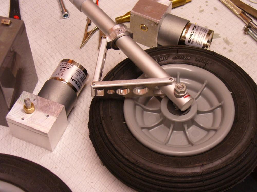 für die FW 190-A5 angefertigte Fahrwerksteile